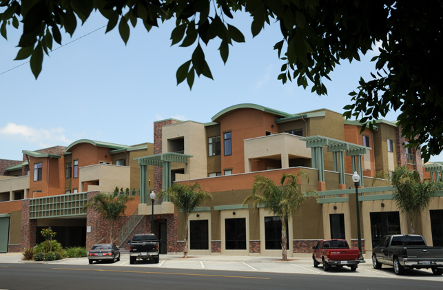 Superb Oxnard Apartments Colonial House Apartments Affordable Download Free Architecture Designs Fluibritishbridgeorg